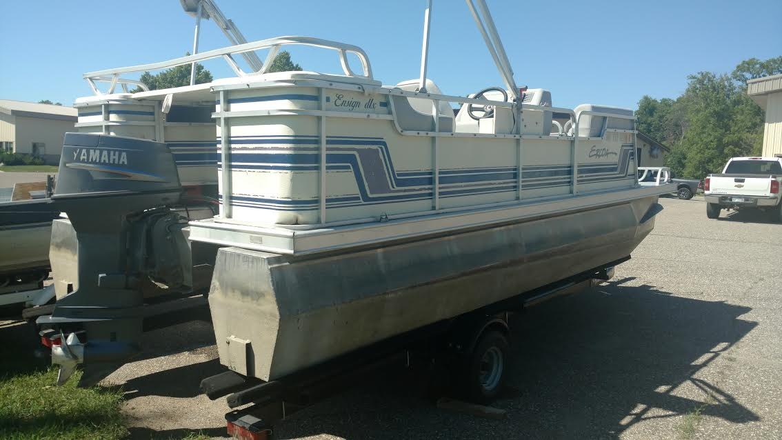 eroca-pontoon-rental