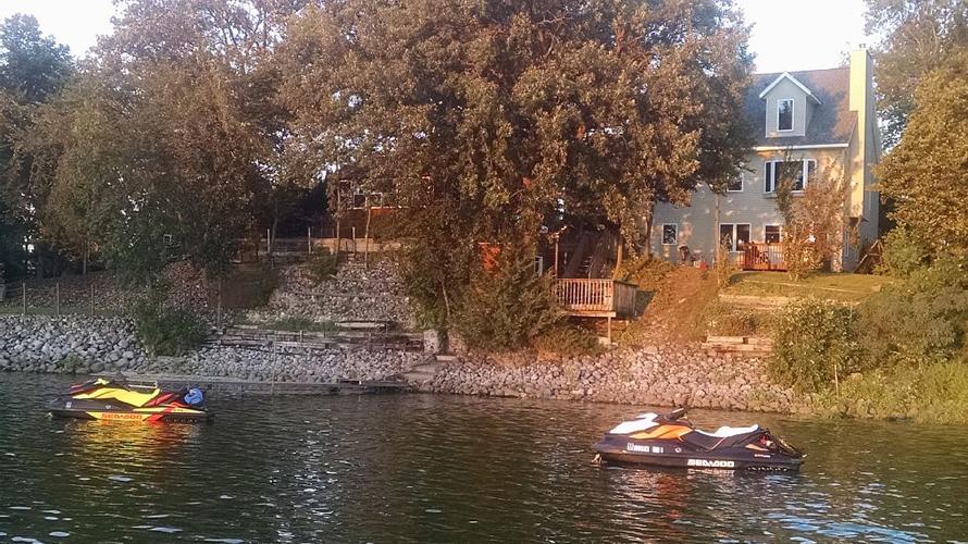 big-swan-lake-rental