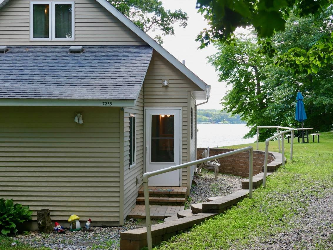 Lake Sylvia Peninsula Home Rental